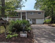 12 Greenwich Rd, Smithtown image