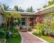 8818 Hawthorne Ave, Surfside image