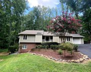 39 Honeysuckle  Woods, Lake Wylie image