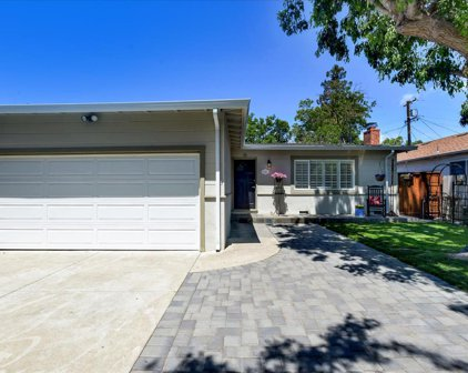 947 7th Ave, Redwood City