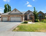 10237 Alder Grove Way, South Jordan image