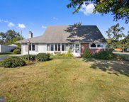 99 Cleft Rock Rd, Levittown image