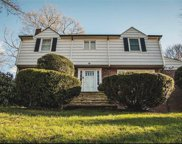 10 Holland  Place, Hartsdale image