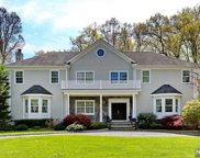 32 Dogwood Hill Road, Upper Saddle River image