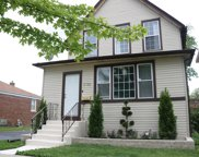 2126 South 14Th Avenue, Broadview image