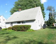107 Stonecutter Rd, Levittown image