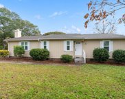 334 Ne 59th Street, Oak Island image