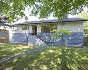 2949 Chesterfield Avenue, North Vancouver image