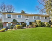 8 Inland  Road, Clarkstown image