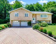 18 Carlyle  Place, Hartsdale image