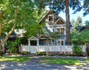 641 33rd Ave E, Seattle image