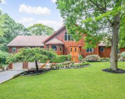10 Silver Beech Ln, Baiting Hollow image