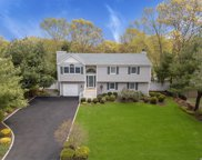97 Spence Ave, Holtsville image