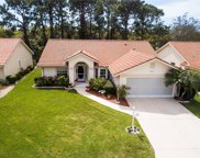 8407 Creekview Ln, Englewood image