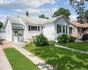 418 Lakeview Rd, Bellmore image