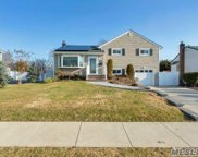 365 Bellmore Rd, East Meadow image