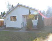 511 SW 102nd St, Seattle image