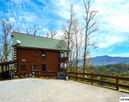 3139 Lakeview Lodge Dr, Sevierville image