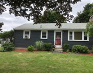 6 Buttercup Ln, Medway image
