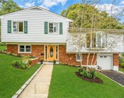 80 Lakeview  Avenue, Hartsdale image