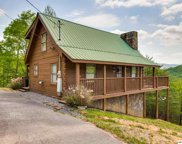 2518 Raccoon Hollow Way, Sevierville image