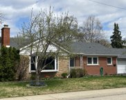 101 Lincoln Street, Glenview image