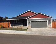 914 Sellwood  Drive, Eagle Point image
