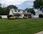 18 Country Greens Dr, Holtsville image
