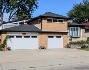 6860 North Crawford Avenue, Lincolnwood image
