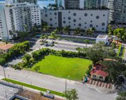 522 Ne 34th Street, Miami image