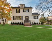 108 Walnut Rd, Glen Cove image