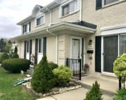 8594 Hampshire, Sterling Heights image