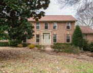 609 Hunters Ln, Brentwood image