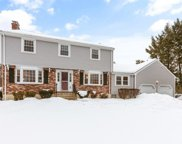 9 Old Stagecoach Rd, Bedford image