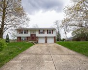 213 Windy Hill Dr, Moon/Crescent Twp image