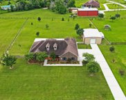 2932 Settlers Way Drive, Sealy image