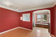 411 Boylston Ave E Unit 203, Seattle image