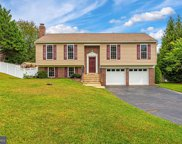 301 Spring Gate Ct, Mount Airy image