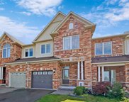 71 Courtland Cres, Newmarket image