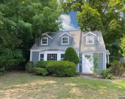 102 Serpentine Road, Demarest image