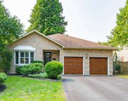 27 Fernway Cres, Whitby image