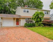 3 Tanager Ln, Levittown image