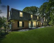 32 Glendale Dr, Oyster Bay Cove image
