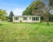 5635 Old Maple Trail, Grawn image