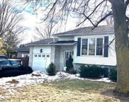 387 Prince Of Wales Dr, Whitby image