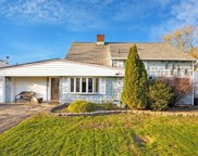 74 Coppersmith Rd, Levittown image