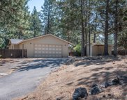 1833 Sw Forest Ridge  Avenue, Bend, OR image