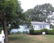 86 8th Ave, Holtsville image
