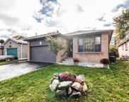 11 Mowat Crt, Whitby image