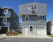 122 Beach Ave, Bellmore image